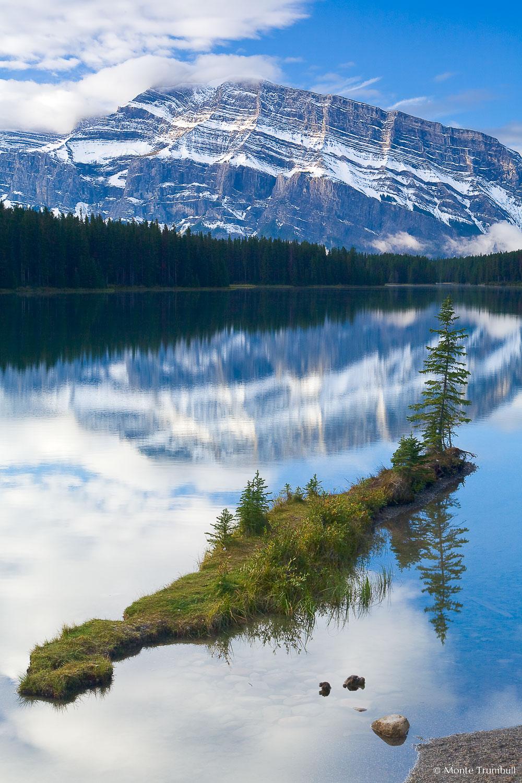 MT-20060919-094522-0046-Edit-Canada-Banff-National-Park-Two-Jack-Lake-Mount-Rundle-relection.jpg