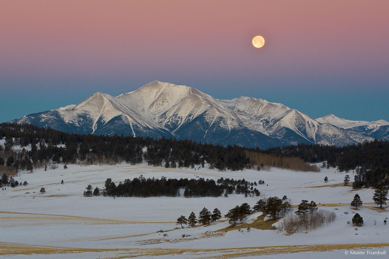 MT-20070304-062410-0002-Blend-Colorado-Buena-Vista-Mt-Princeton-snow-moonset-full-moon.jpg