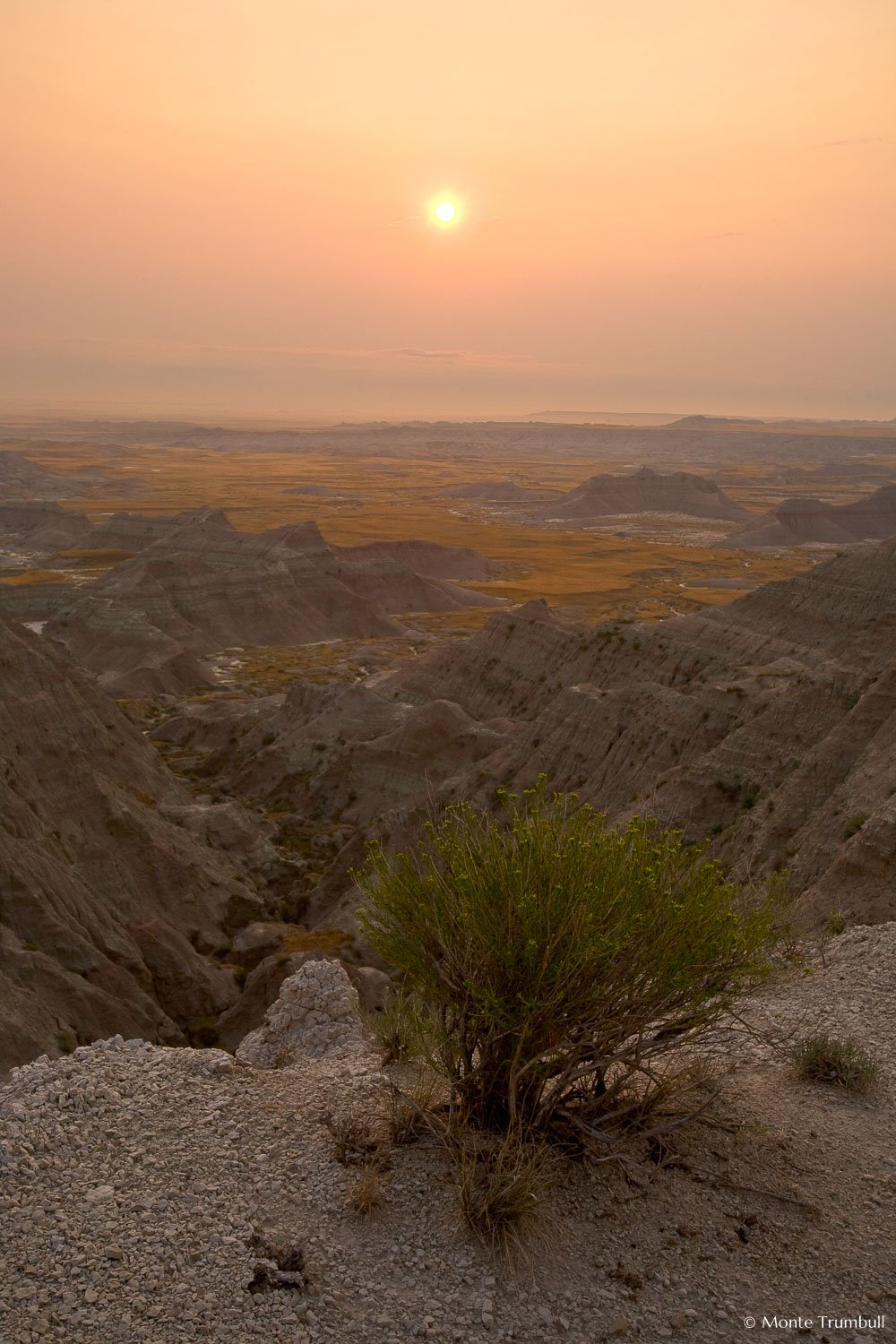 MT-20070816-064113-0013-Edit-South-Dakota-Badlands-National-Park-sunrise-haze.jpg