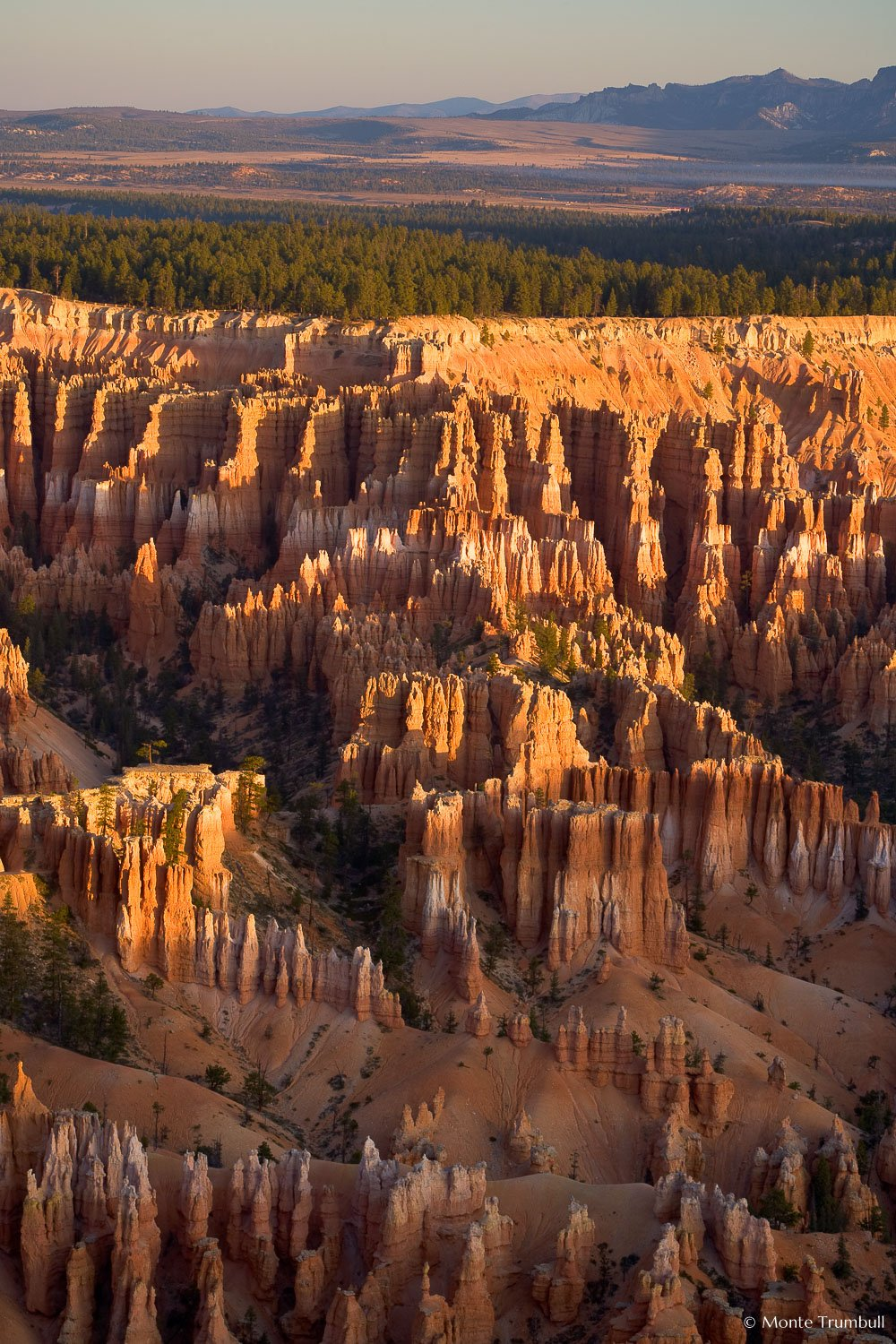 MT-20071108-071615-0014-Edit-Utah-Bryce-Canyon-National-Park-mountains-sunrise.jpg