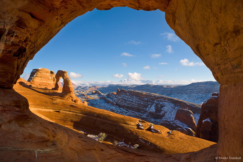 MT-20071212-150619-0050-Utah-Arches-National-Park-Delicate-Arch-through-rock-window.jpg