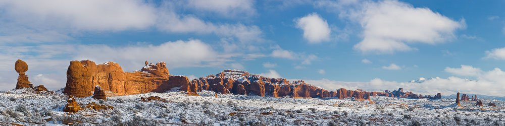 MT-20071212-125024-0034-Pano7-Utah-Arches-National-Park-Balanced-Rock-snow-panorama.jpg