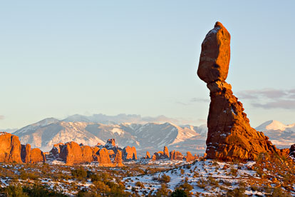 MT-20080125-171912-0020-Edit-Utah-Arches-National-Park-Balanced-Rock-snow-sunset.jpg
