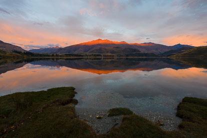MT-20090419-072326-0008-P-Sunrise-Reflection-Lake-Wanaka-New-Zealand.jpg