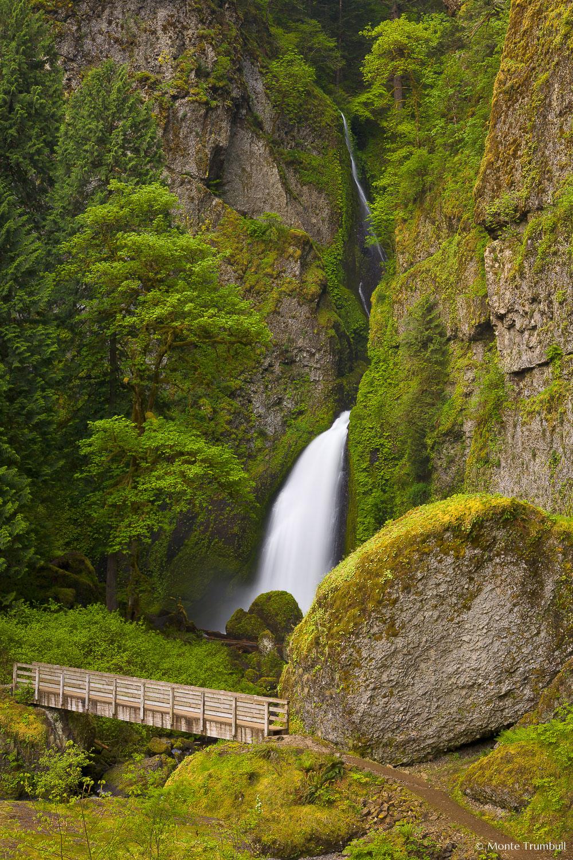 MT-20070510-064718-0022-Oregon-Columbia-Gorge-Wahclella-Falls.jpg