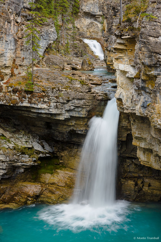 MT-20091001-150649-0215-Canada-Jasper-National-Park-Beauty-Creek-water-falls.jpg