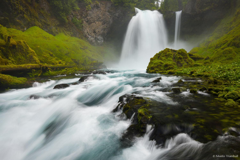 MT-20130523-110419-0006-Sahalie-Falls-Oregon-spring.jpg