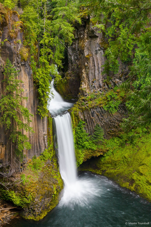 MT-20130529-170149-0096-Toketee-Falls-Umpqua-National-Forest-Oregon-spring.jpg