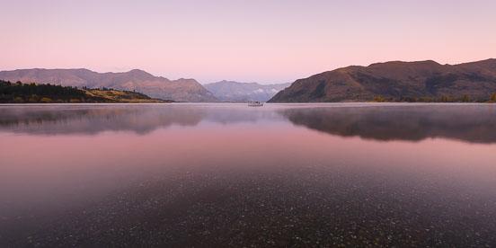 MT-20090421-071316-0006-New-Zealand-South-Island-Lake-Wanaka-pink-dawn.jpg