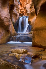 MT-20101103-132909-0031-Utah-Kanarra-Creek-waterfall-red-rock.jpg
