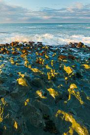 MT-20090414-074456-0032-New-Zealand-South-Island-Taramea-Bay-waves.jpg