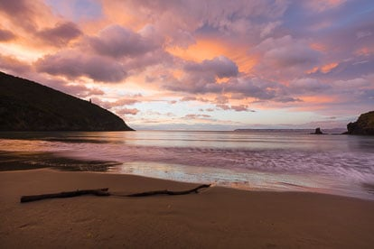 MT-20090426-065950-0014-New-Zealand-South-Island-Whites-Bay-sunrise-pastel.jpg