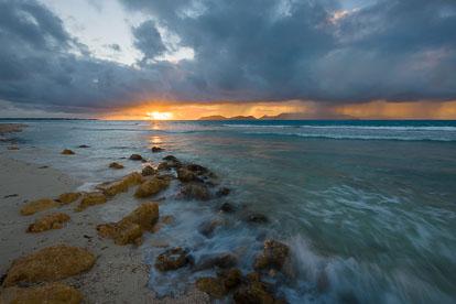 MT-20110215-064812-0036-Anguilla-Merrywing-Bay-sunrise.jpg