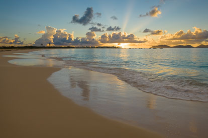 MT-20110220-065311-0034-Anguilla-Cove-Bay-sunrise.jpg