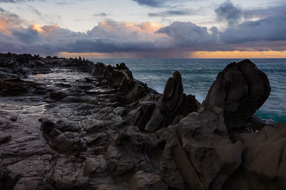 MT-20151209-070658-0010-Dragons-Teeth-Sunrise-Maui-Hawaii.jpg