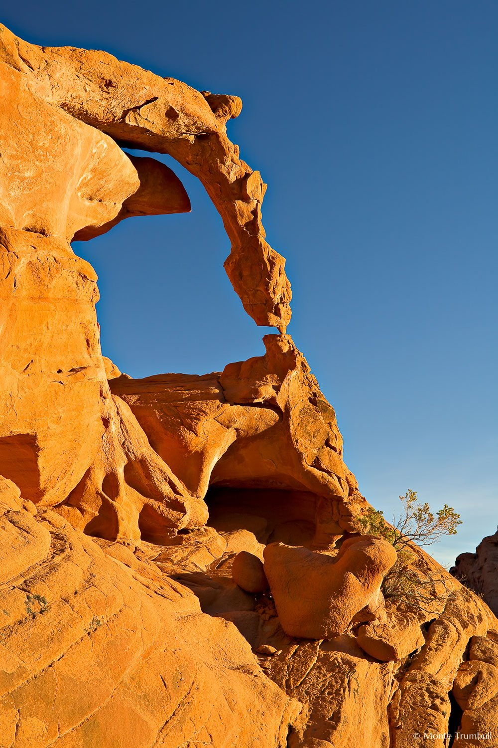 MT-20080131-160218-Nevada-Valley-of-Fire-State-Park-Ephemeral-Arch.jpg