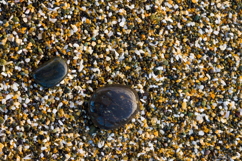 MT-20090414-082228-0041-New-Zealand-South-Island-Taramea-Bay-pebbles-on-beach.jpg