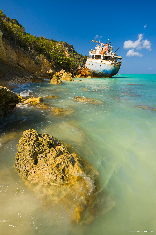 MT-20100210-100804-0026-Anguilla-Road-Bay-grounded-ship.jpg