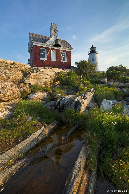 MT-20110616-055846-0001-Maine-Pemaquid-Point-Light-bellhouse-morning.jpg