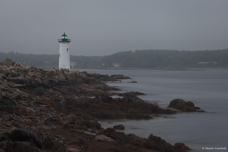 MT-20110618-050051-0005-Maine-Fort-Constitution-Light-fog.jpg