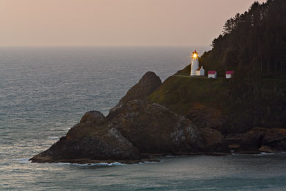 MT-20070510-192206-0141-Edit-Oregon-Hecata-Head-Lighthouse-sunset.jpg