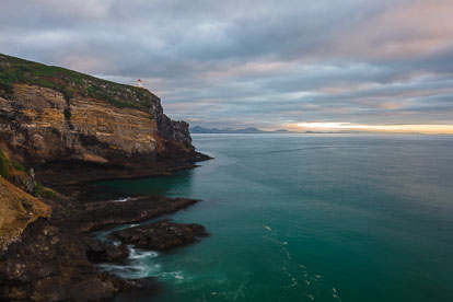 MT-20090412-072317-0057-New-Zealand-South-Island-Taiaroa-Head-Lighthouse-sunrise.jpg