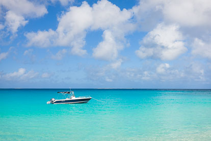 MT-20110211-100959-0013-Anguilla-Lower-Meads-Bay-speedboat.jpg