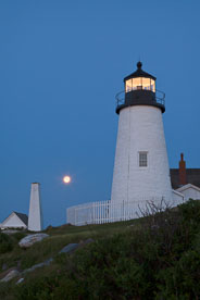 MT-20110616-042906-0001-Maine-Pemaquid-Point-Light-full-moon-moonset.jpg