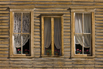 MT-20110820-091605-0107-Colorado-St-Elmo-ghost-town-old-building-windows.jpg