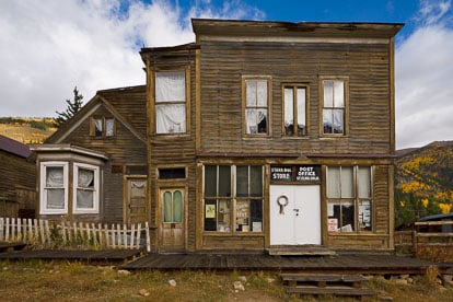 MT-20111004-092216-0037-Colorado-St-Elmo-ghost-town-old-building-fall.jpg